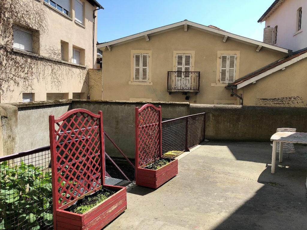 Appartement à vendre 2 59.79m2 à Clermont-Ferrand vignette-1