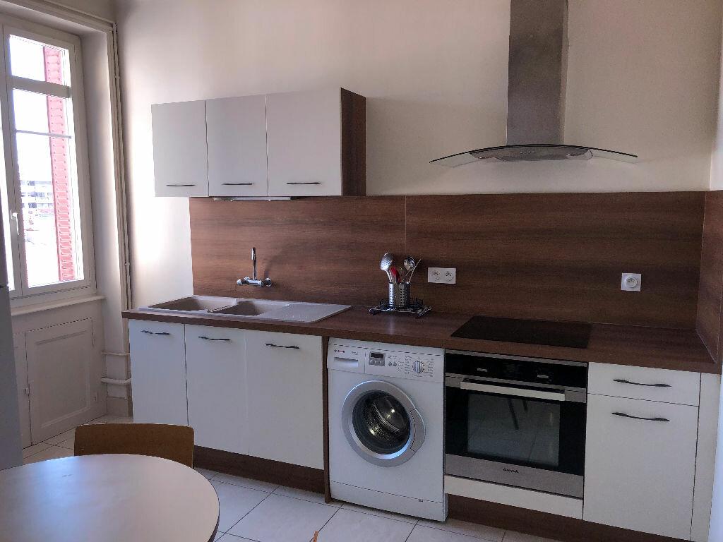 Appartement à vendre 2 59.79m2 à Clermont-Ferrand vignette-3