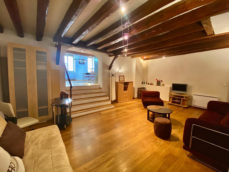 Appartement à louer 3 79.45m2 à Lyon 5 vignette-5