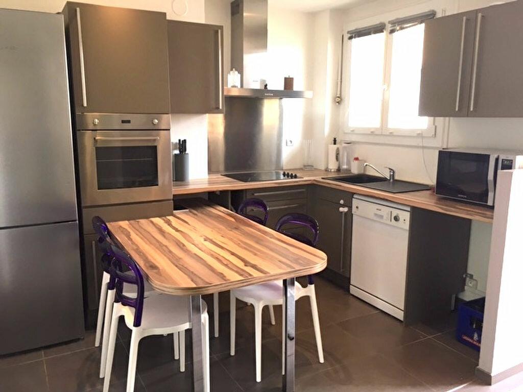 Appartement à louer 3 68m2 à Lyon 5 vignette-5
