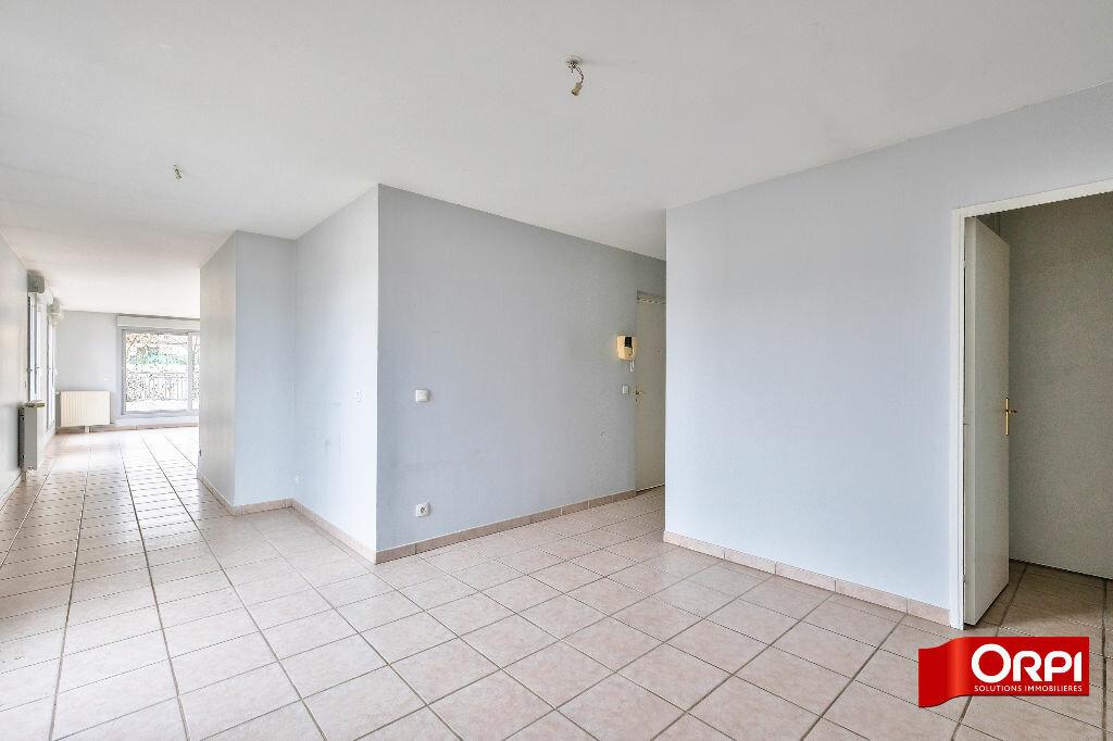 Appartement à louer 6 166.3m2 à Caluire-et-Cuire vignette-5