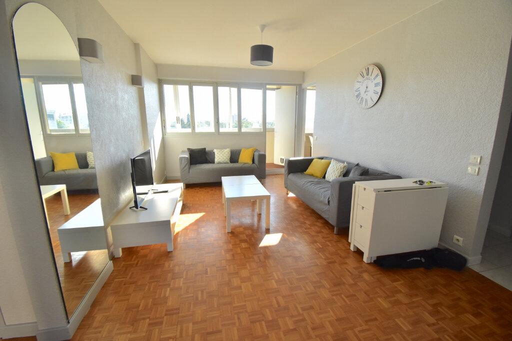 Appartement à louer 5 82.45m2 à Lyon 5 vignette-2