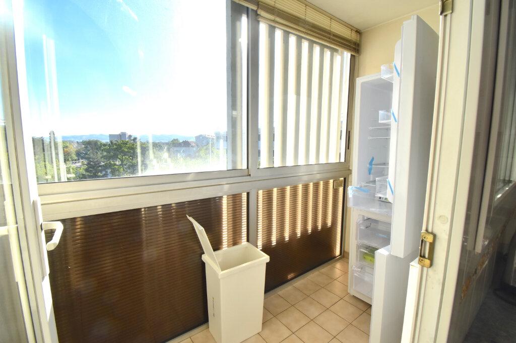 Appartement à louer 5 82.45m2 à Lyon 5 vignette-8