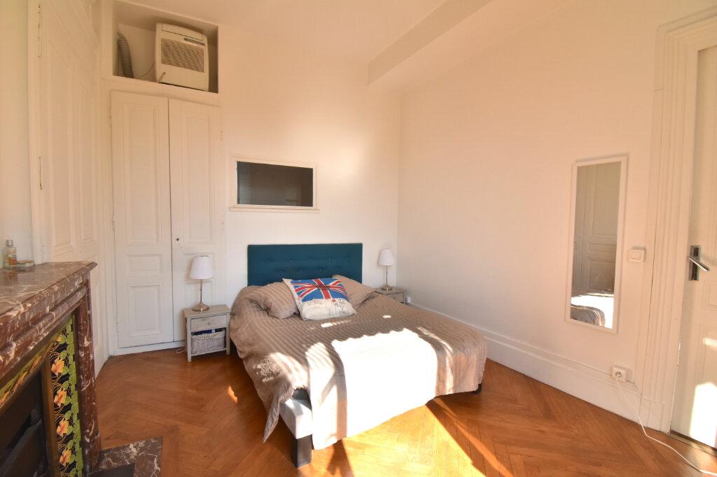 Appartement à louer 2 60.4m2 à Lyon 1 vignette-5