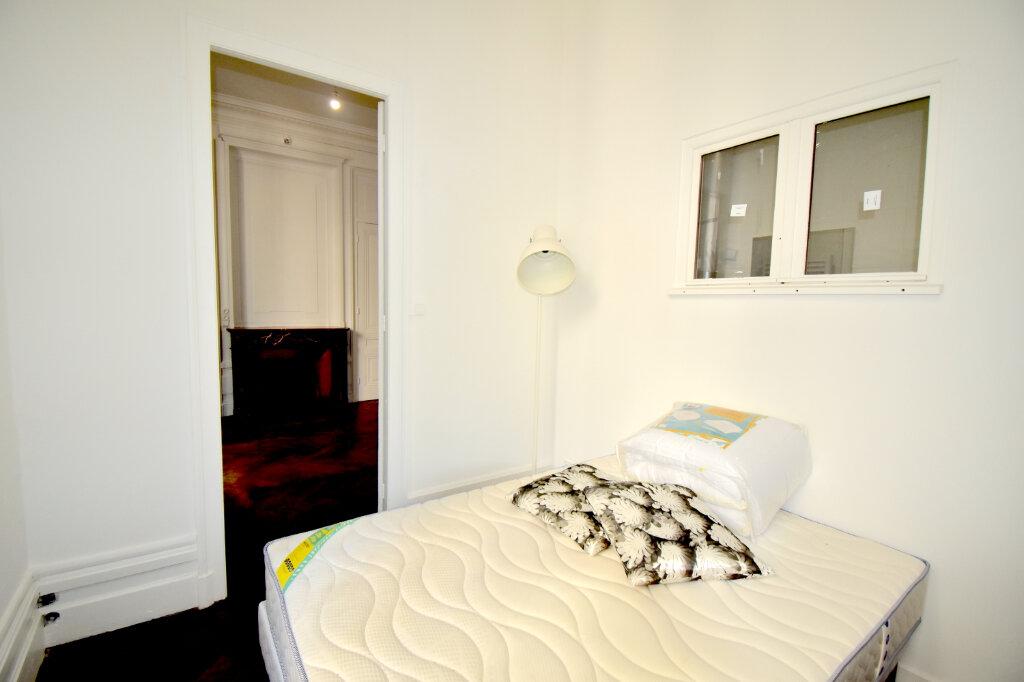 Appartement à louer 2 32.62m2 à Lyon 3 vignette-3