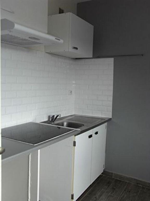 Appartement à louer 1 33.22m2 à Pont-Audemer vignette-1