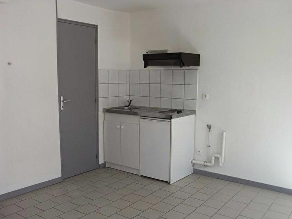 Appartement à louer 1 17.32m2 à Pont-Audemer vignette-2