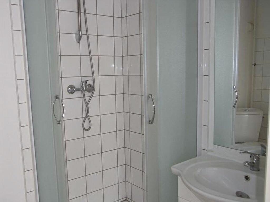 Appartement à louer 1 17.32m2 à Pont-Audemer vignette-3