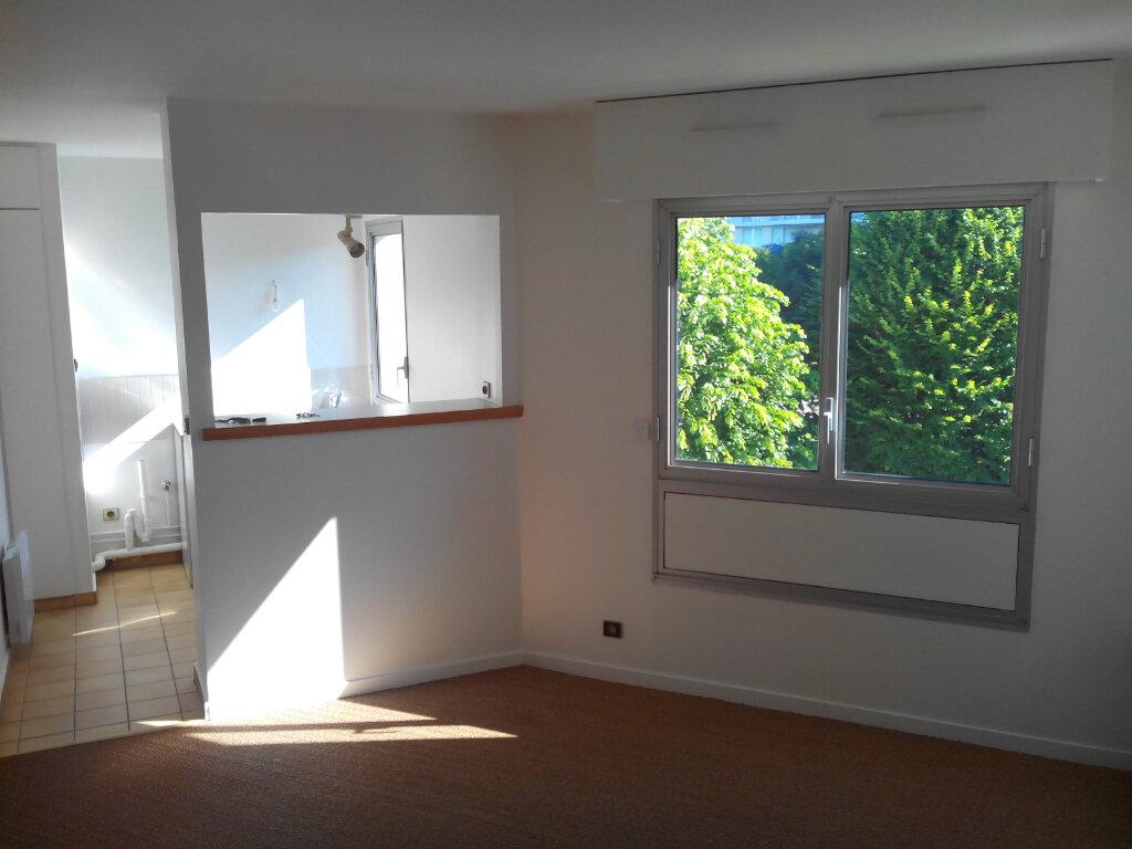 Appartement à louer 1 32m2 à Sainte-Adresse vignette-1