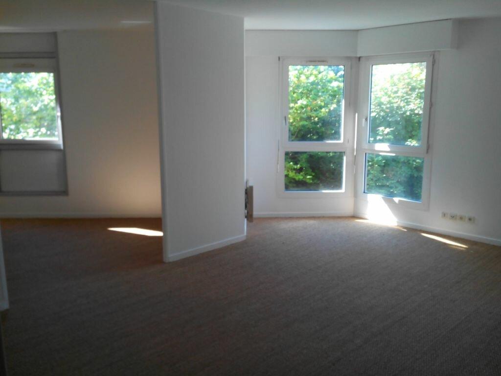 Appartement à louer 3 76.5m2 à Sainte-Adresse vignette-1