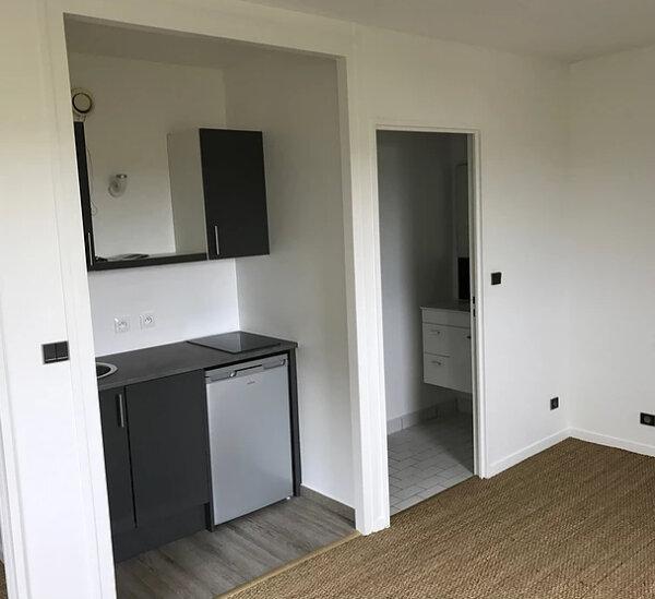 Appartement à louer 1 25m2 à Sainte-Adresse vignette-2