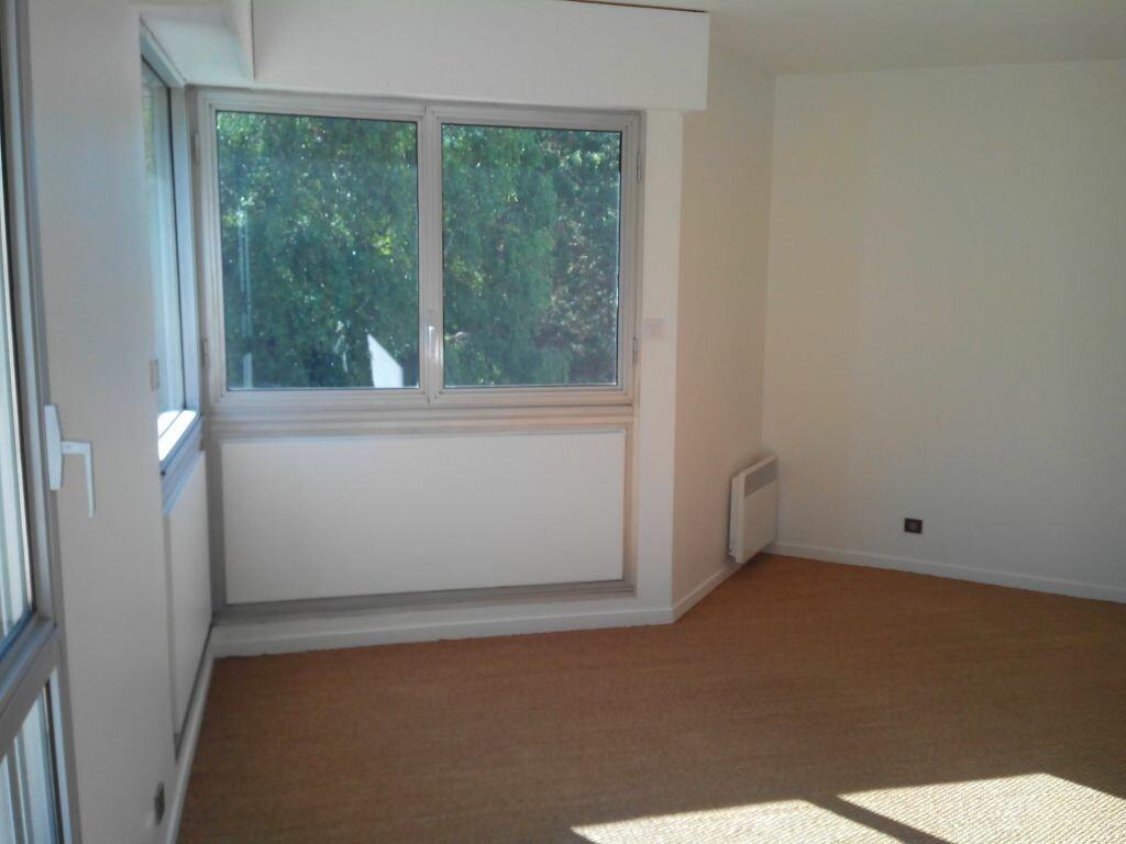 Appartement à louer 2 66m2 à Sainte-Adresse vignette-4