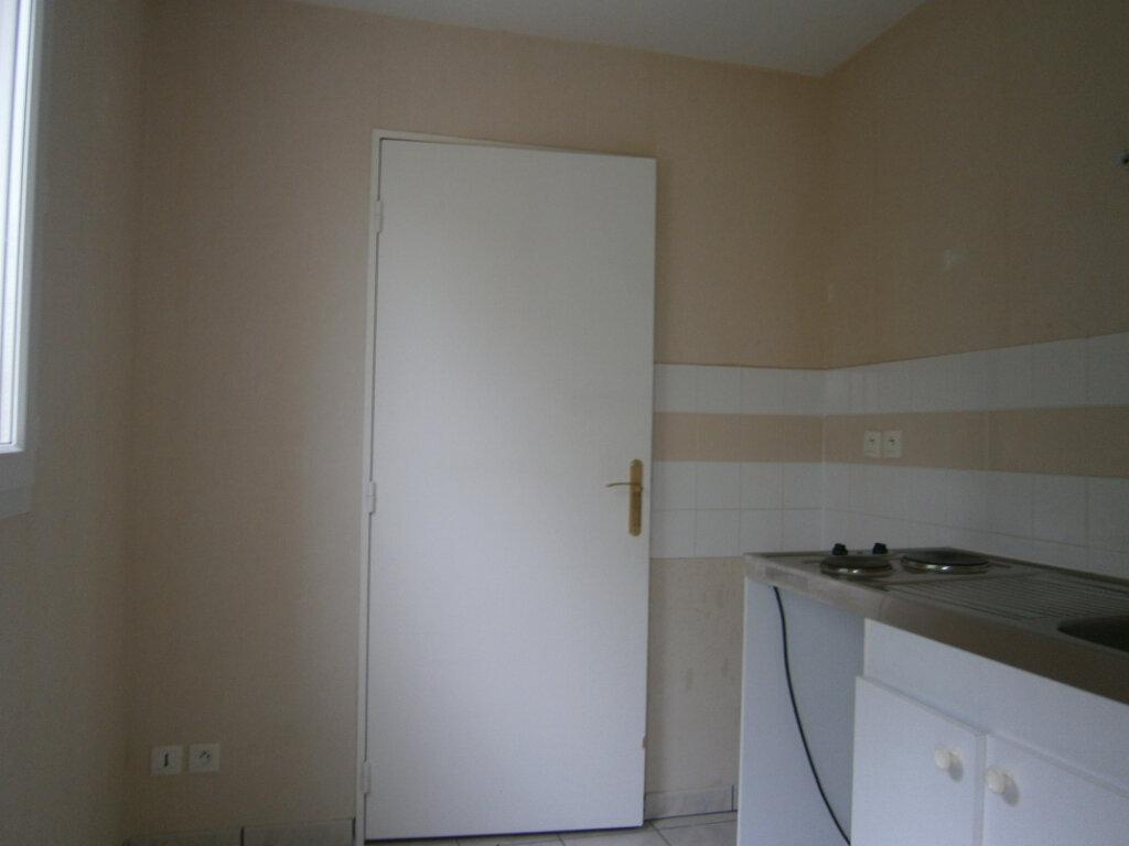 Appartement à louer 2 46.9m2 à Beuzeville vignette-2