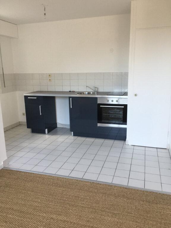 Appartement à louer 3 51.9m2 à Sainte-Adresse vignette-2