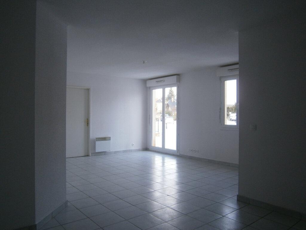 Appartement à louer 3 67.21m2 à Beuzeville vignette-1