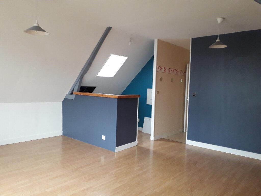 Appartement à louer 3 44.07m2 à Beuzeville vignette-1