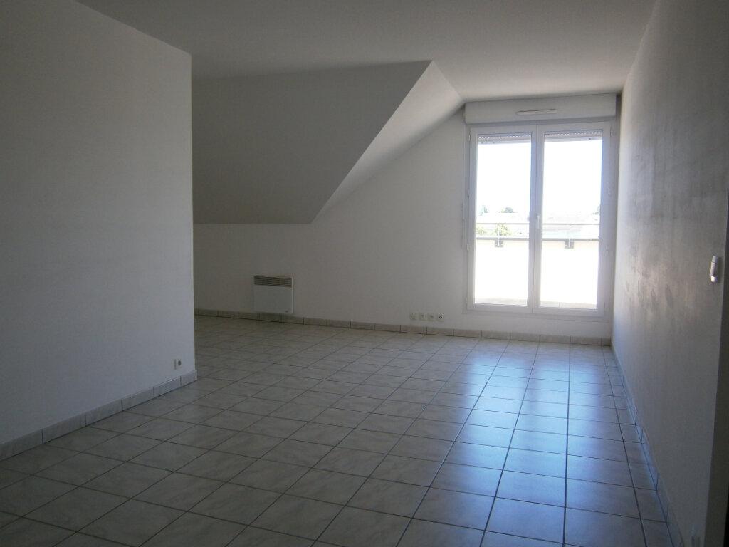 Appartement à louer 3 64.1m2 à Beuzeville vignette-1