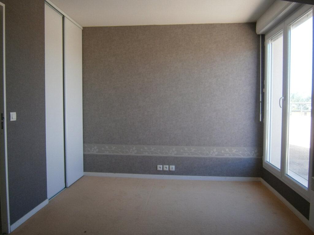 Appartement à louer 3 64.1m2 à Beuzeville vignette-3