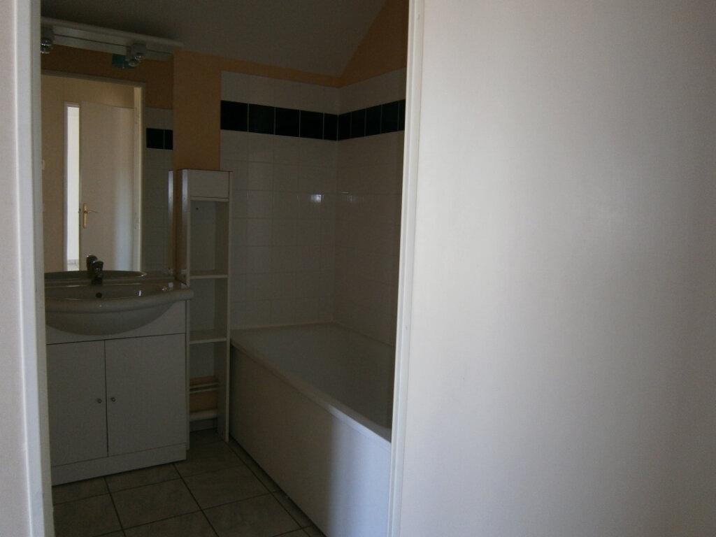Appartement à louer 3 64.1m2 à Beuzeville vignette-5