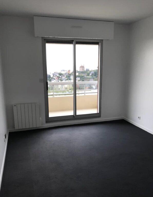 Appartement à louer 5 104m2 à Sainte-Adresse vignette-5