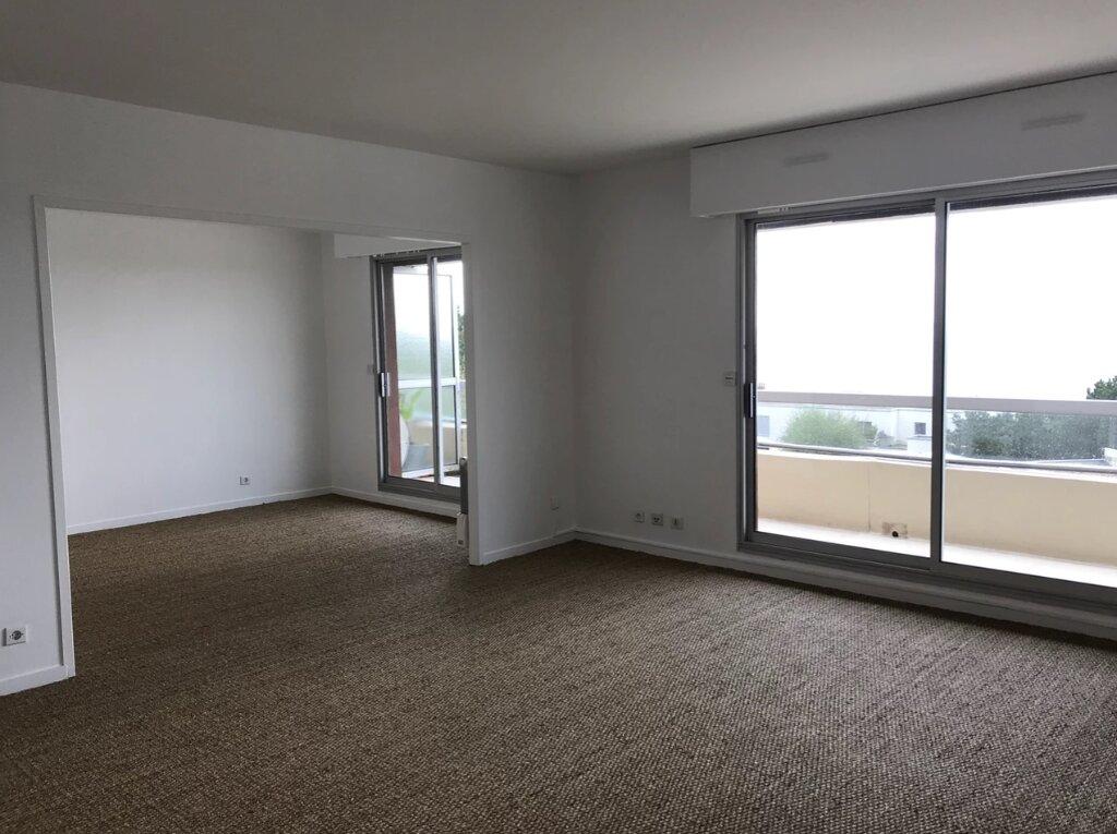 Appartement à louer 5 104m2 à Sainte-Adresse vignette-2