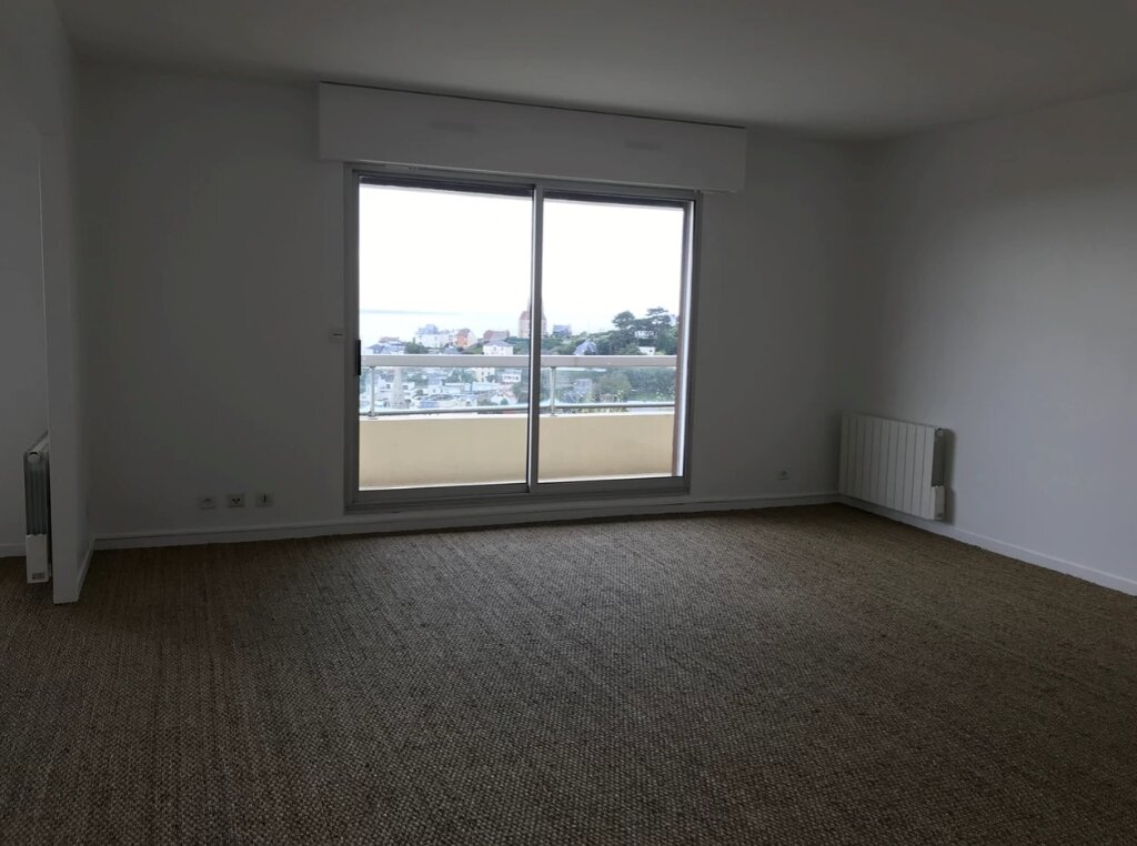 Appartement à louer 5 104m2 à Sainte-Adresse vignette-3