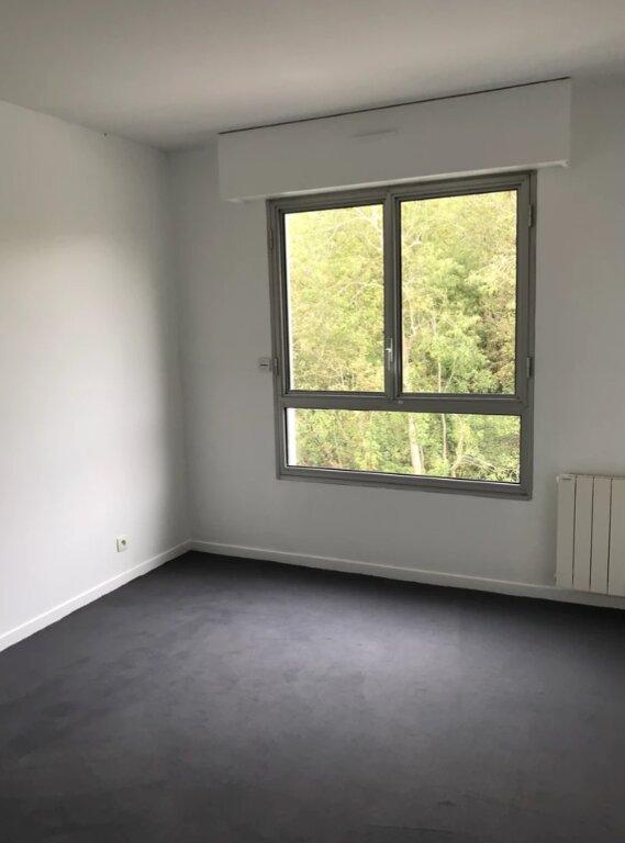 Appartement à louer 5 104m2 à Sainte-Adresse vignette-7