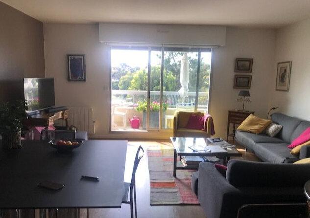 Appartement à louer 1 89.4m2 à Sainte-Adresse vignette-1