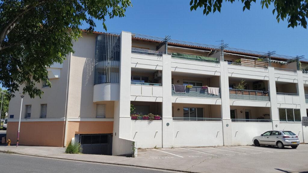 Appartement à louer 3 65.8m2 à Saint-Jean-de-Védas vignette-1