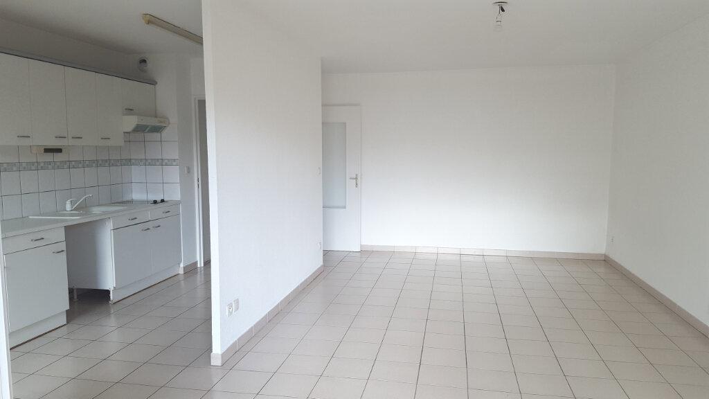 Appartement à louer 3 65.8m2 à Saint-Jean-de-Védas vignette-2