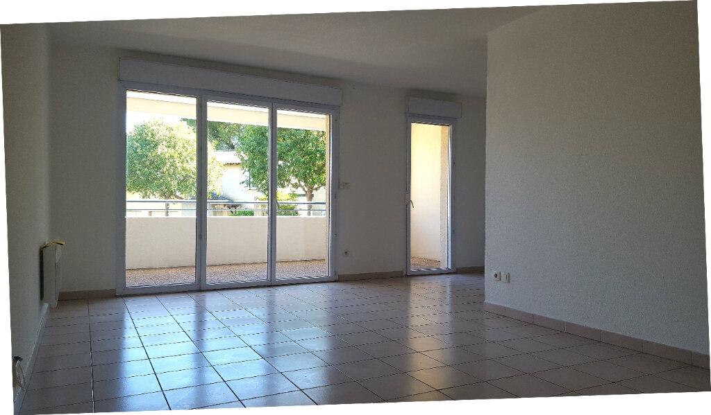 Appartement à louer 3 65.8m2 à Saint-Jean-de-Védas vignette-3