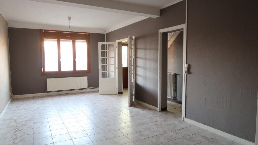 Maison à louer 3 84m2 à Tergnier vignette-1