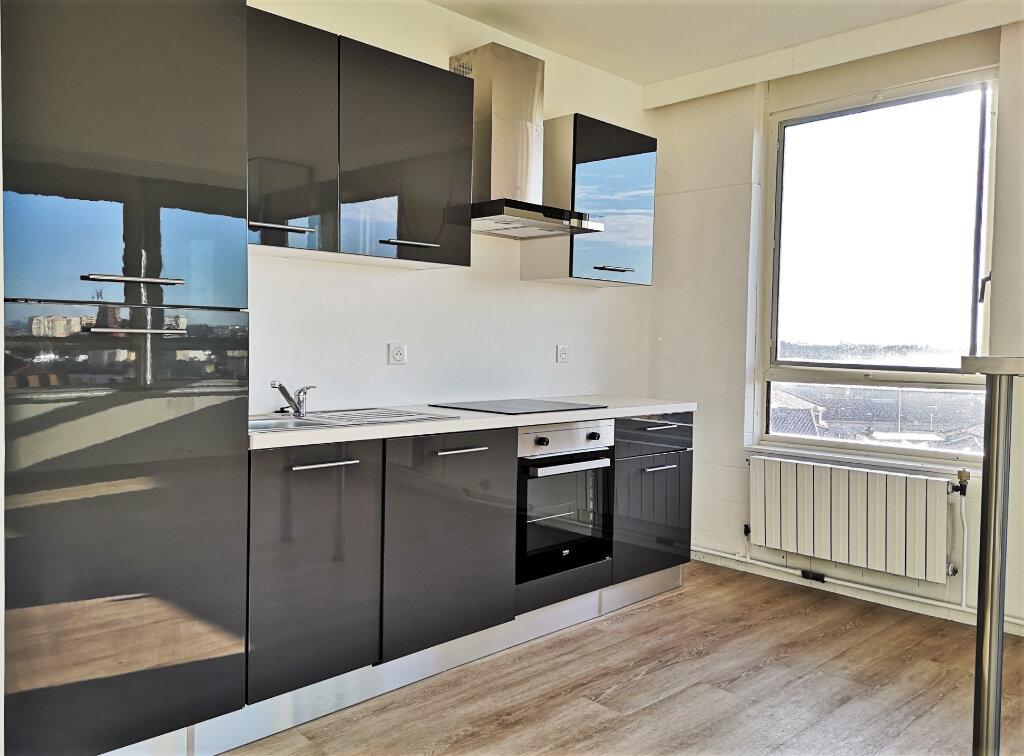 Appartement à louer 3 85m2 à Toulouse vignette-6