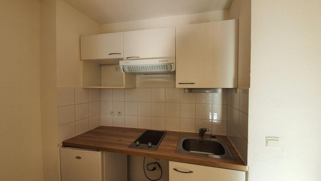 Appartement à louer 2 54m2 à Nîmes vignette-4