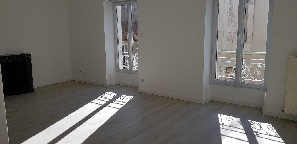 Appartement à louer 3 68.87m2 à Nîmes vignette-3