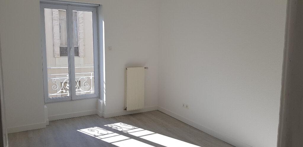 Appartement à louer 3 68.87m2 à Nîmes vignette-10