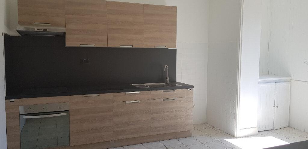 Appartement à louer 3 94.41m2 à Nîmes vignette-7