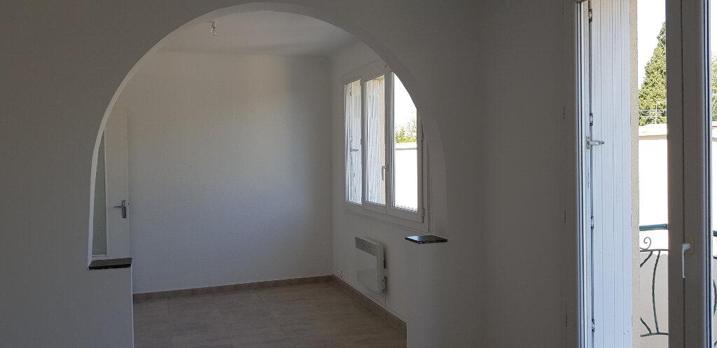 Appartement à louer 3 66.44m2 à Marguerittes vignette-1