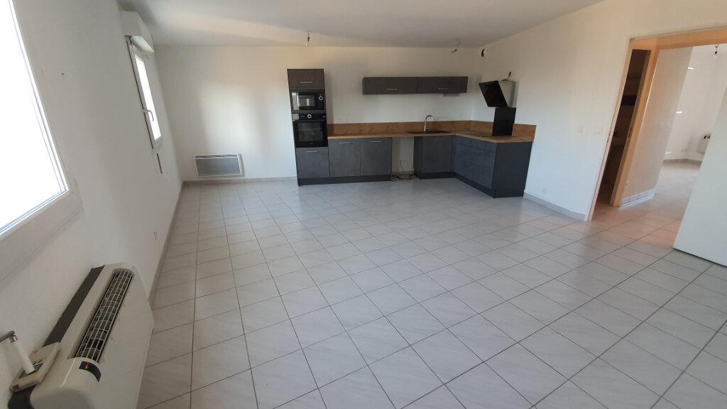 Appartement à louer 2 51.02m2 à Nîmes vignette-2