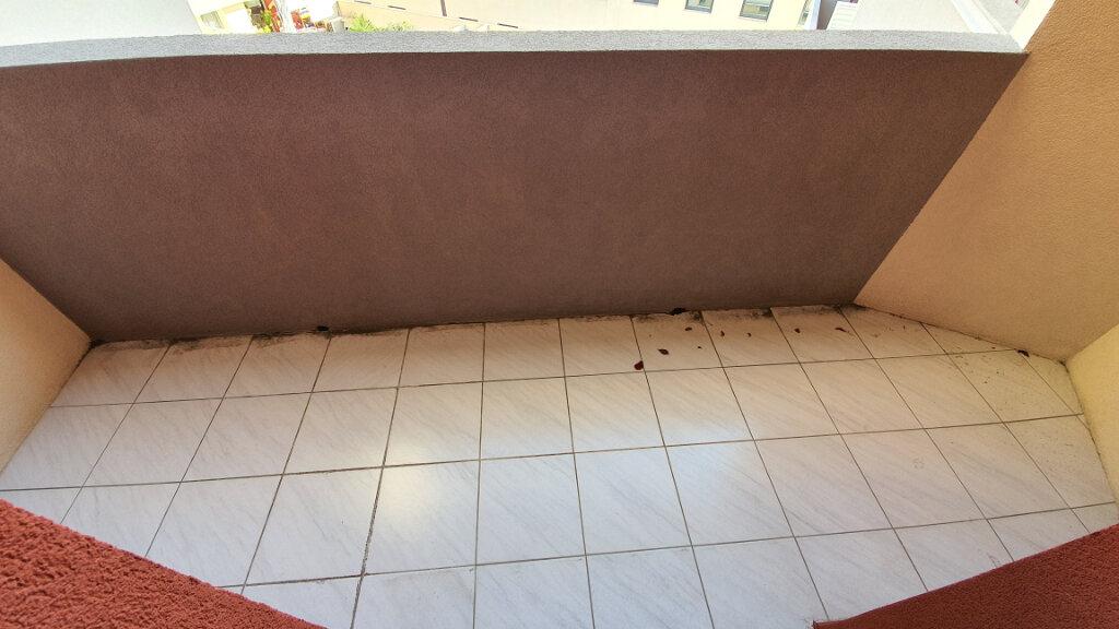 Appartement à louer 2 51.02m2 à Nîmes vignette-7