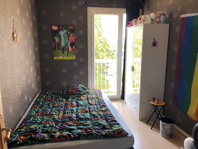 Appartement à vendre 4 73m2 à Clermont vignette-4
