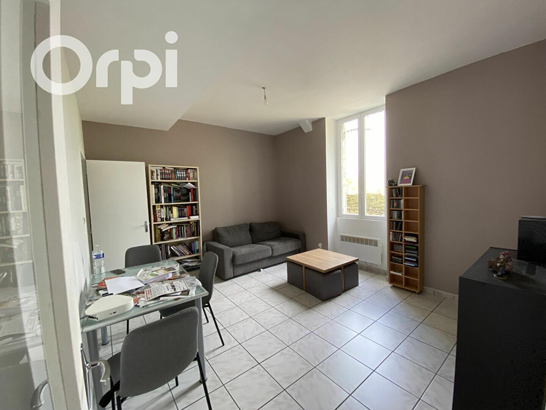 Appartement à louer 2 45.17m2 à Clermont vignette-1