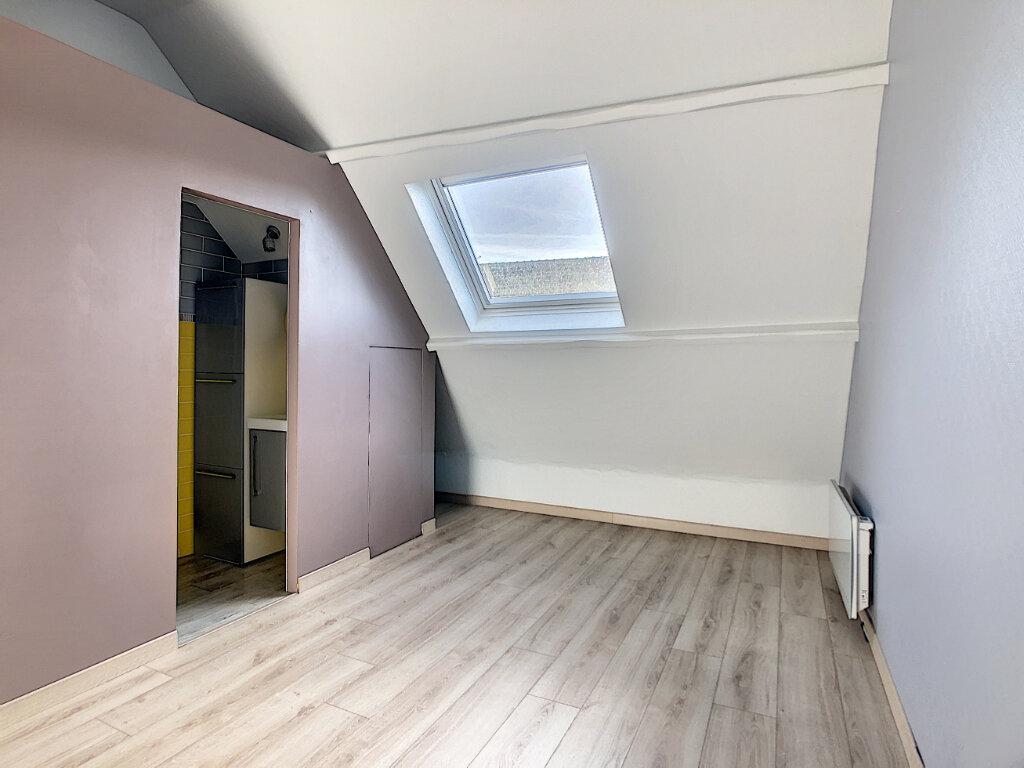Appartement à louer 2 29.7m2 à Neuilly-sous-Clermont vignette-2