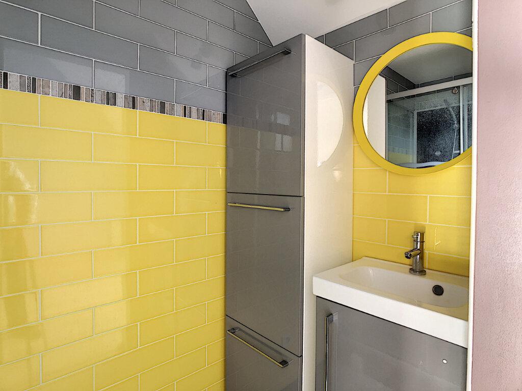 Appartement à louer 2 29.7m2 à Neuilly-sous-Clermont vignette-3