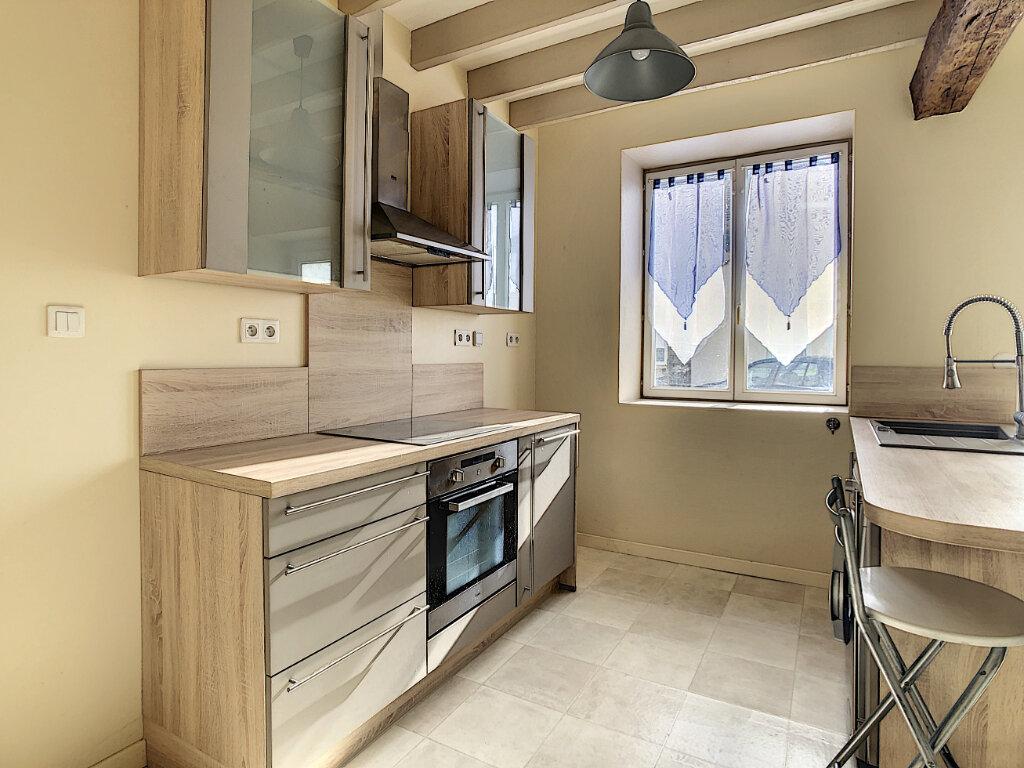 Appartement à louer 2 29.7m2 à Neuilly-sous-Clermont vignette-4