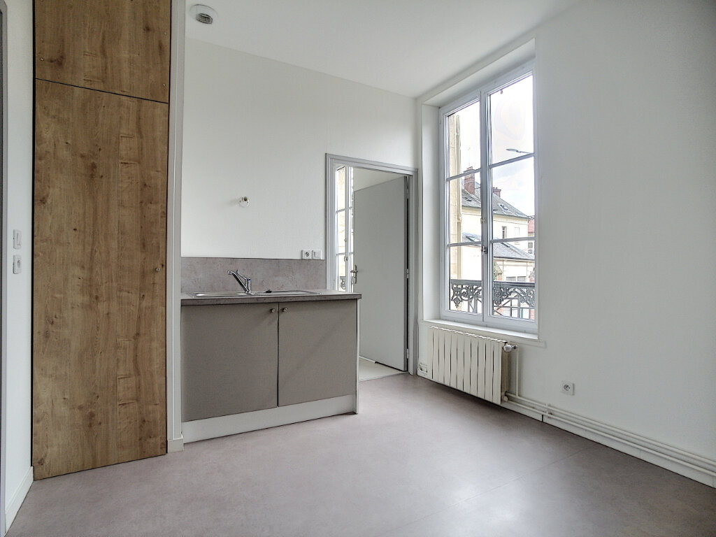 Appartement à louer 2 42.9m2 à Clermont vignette-3