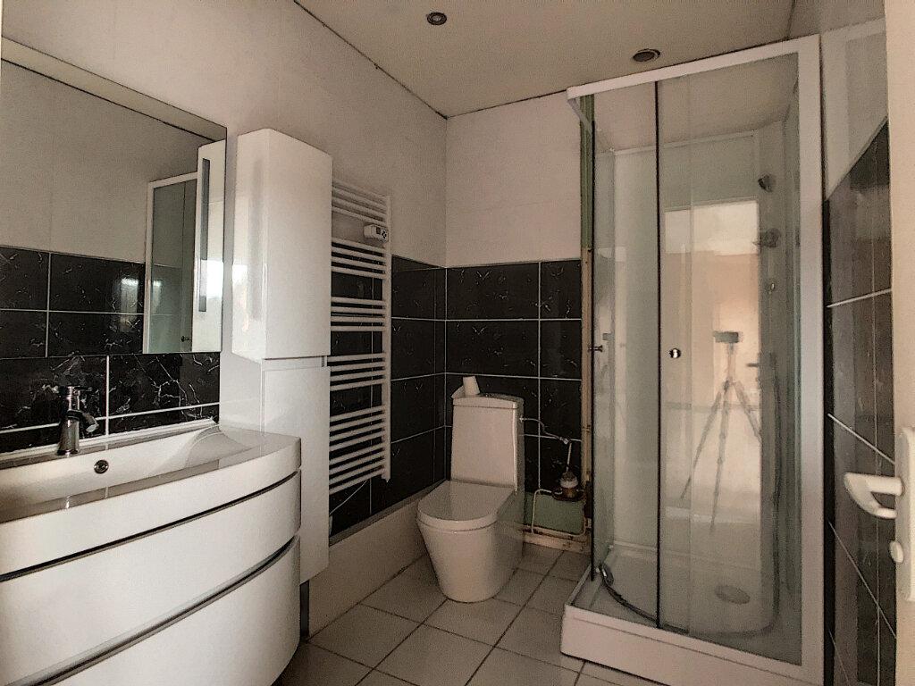 Appartement à louer 2 47.53m2 à Clermont vignette-4