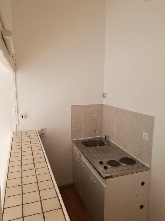 Appartement à vendre 1 27m2 à Clermont vignette-2