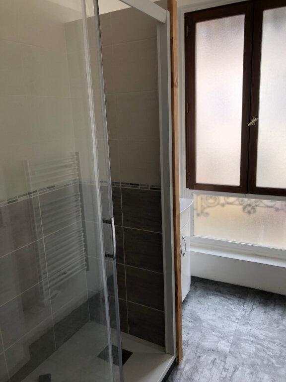 Appartement à louer 3 46m2 à Clermont vignette-5
