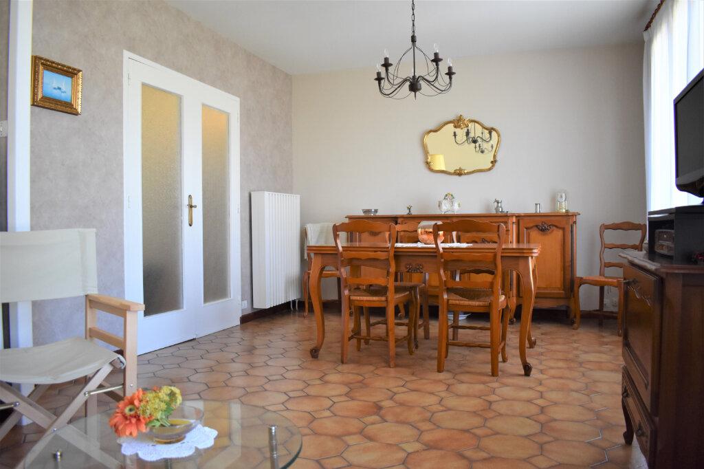 Maison à vendre 3 78.38m2 à La Rochelle vignette-2